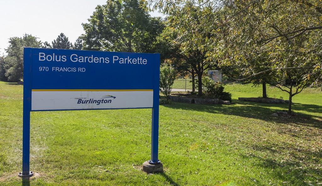 Bolus Gardens Parkette.jpg